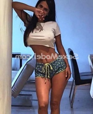 Dorinne massage érotique escorte sexemodel à Montpellier
